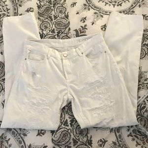 White destroyed jeans size 28